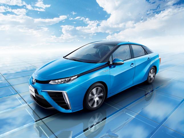 14年12月には世界初の量産燃料電池車「MIRAI(ミライ)」を発売