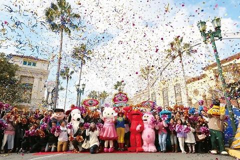 大阪市にあるUSJには年間1000万人以上が入場する。15年2月には年間入場者数の最高記録を更新した