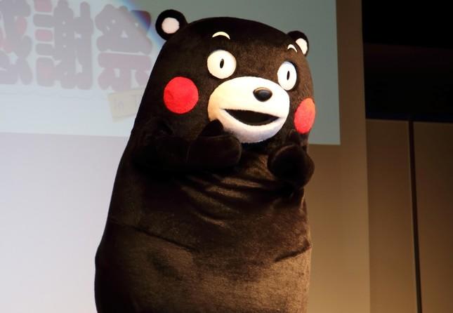 熊本県のしあわせ部長兼営業部長代理を務めているくまモン(画像15年1月撮影)