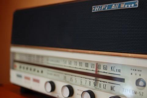 ラジオ生放送で語った