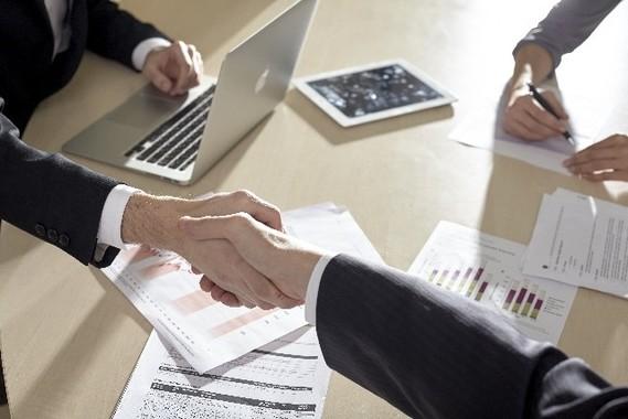 国内市場低迷は海外企業買収を後押ししている