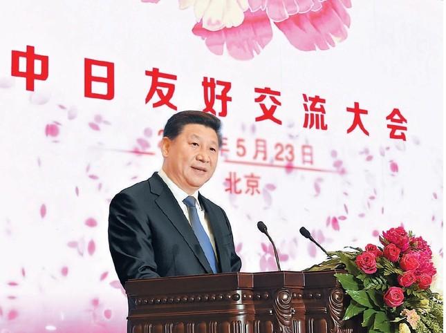 3000人の訪中団を前にした習近平国家主席の演説が韓国を揺さぶっている。人民日報は演説の様子を1面で伝えた(写真は人民日報より)