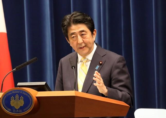 ヤジ、陳謝を繰り返す安倍首相(画像は15年5月14日撮影)