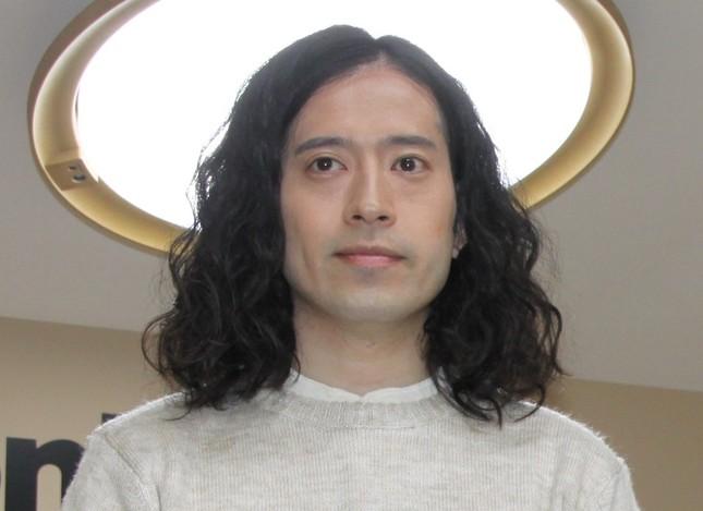 芥川賞に小説「火花」がノミネートされた又吉直樹さん(2014年11月撮影)