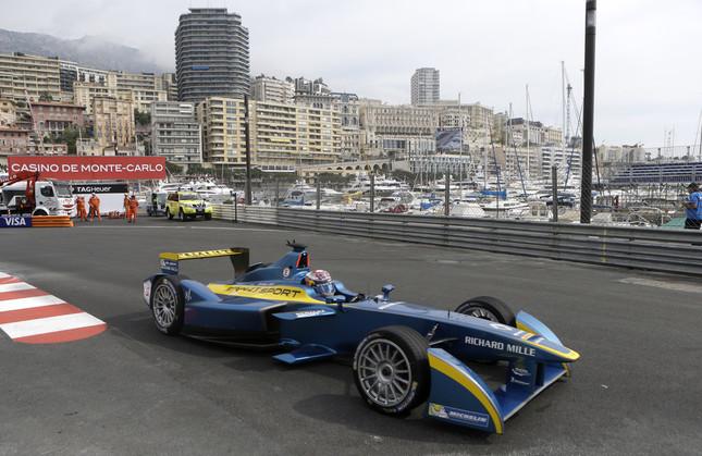 日本でも公道レースが実現なるか(画像は2015年3月のフォーミュラEモナコ大会 写真:AP/アフロ)