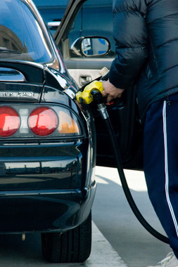 ガソリン価格はまだ上がる?