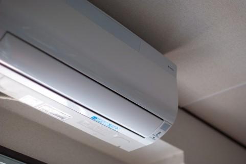 生活保護を受ける高齢者がエアコンをつけずに熱中症に罹るケースは少なくない