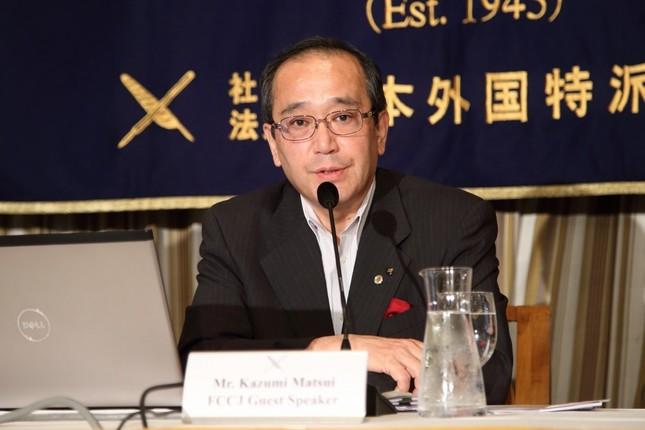 日本外国特派員協会で会見した広島市の松井一実市長
