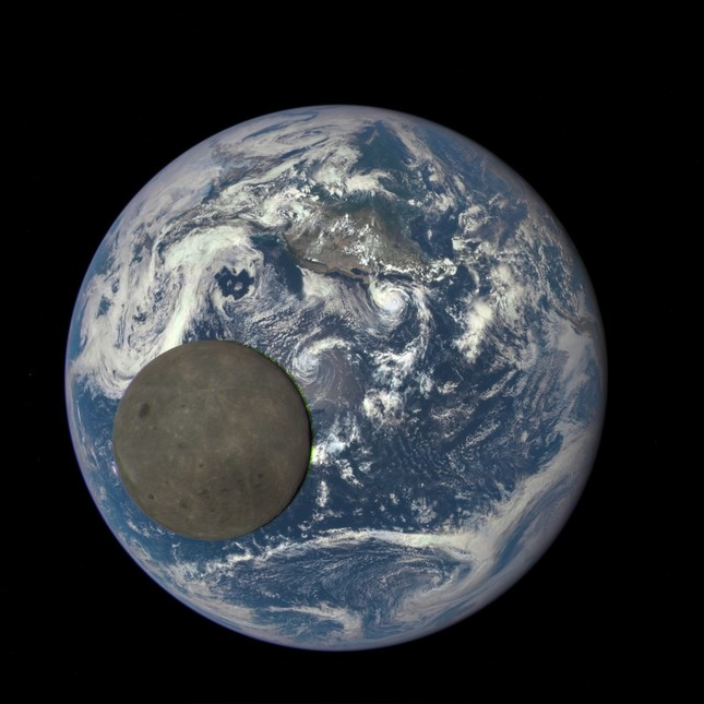NASAが公開した月の裏側