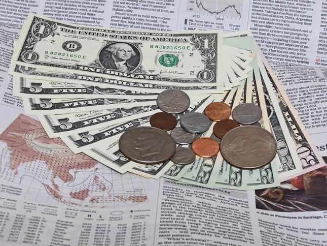 国内の人口減少や低金利が海外事業拡大を加速させる(画像はイメージ)