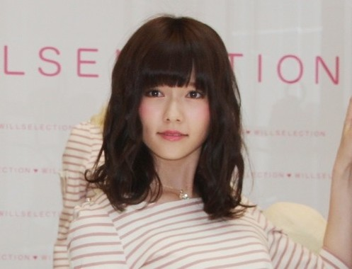 島崎さんの「ぱるるの日」ツイートにファンは大喜びだったが…(2013年3月撮影)