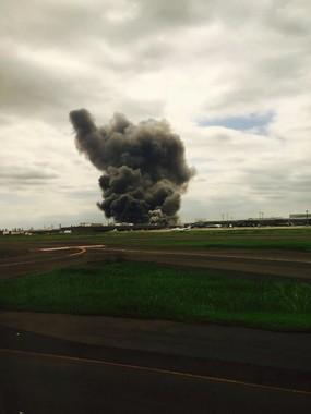 黒煙を上げる川崎製造所(2015年8月24日撮影 写真提供:wakatamさん)