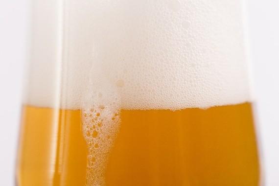 ビール消費大国中国の「倹約令」が世界の生産量に影響
