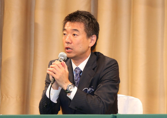 橋下氏は住民投票後の会見では政界引退を表明していた