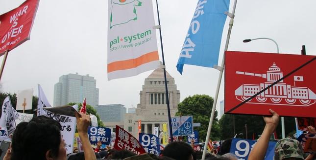 8月30日に行われた安保法案反対デモの様子