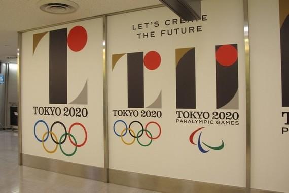 エンブレム撤回めぐりスポンサー各社が対応追われる(画像は成田国際空港で8月31日撮影)