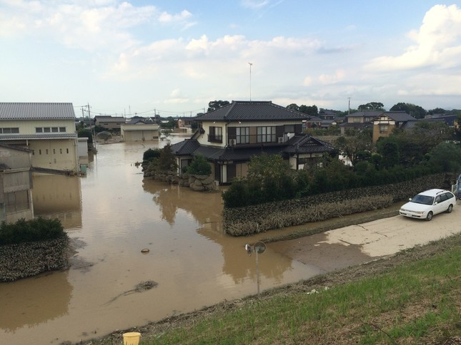 鬼怒川水害でマスコミの報道ヘリが物議をかもした