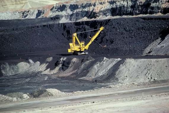 石炭を燃やした後の灰をめぐる問題が指摘されている