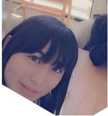野崎さんの美貌に注目が集まる(写真は本人ツイッターより)