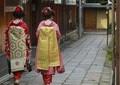 京都・祇園で中国人観光客のトラブル相次ぐ 「当たり屋」疑惑も持ち上がり、外国メディアが報道