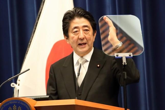 第3次内閣発足後に会見する安倍晋三首相