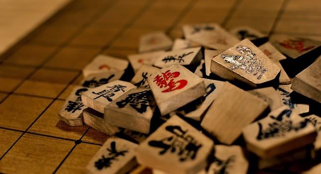 レジャー白書によると将棋参加人口は09年の1270万人に対し13年は670万人に激減した
