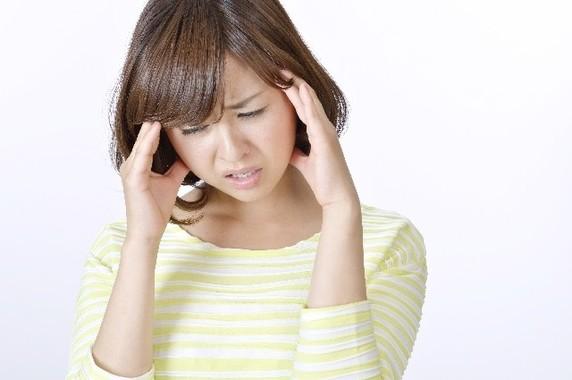 日本頭痛学会によると、片頭痛の人は人口の5~10%、緊張型頭痛の人は20%で、日本人の4人に1人が慢性的な頭痛に悩んでいる