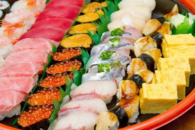 寿司を握るのは花形の仕事であり修行中の身では触ることも難しい