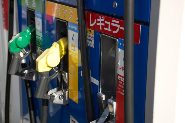 ガソリン車離れと原油安で苦境が続く石油業界