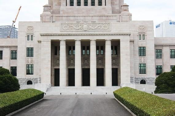 権力の攻防が日夜続く国会議事堂
