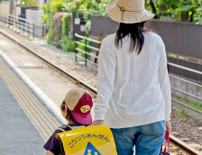 吉永さんは赤ちゃんの頃から順番に二宮さんの写真を見ながら演技を考えた。(写真はイメージ)