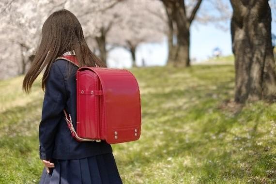 可爱轻便小学生书包女生12-3年级女儿童小孩双肩包