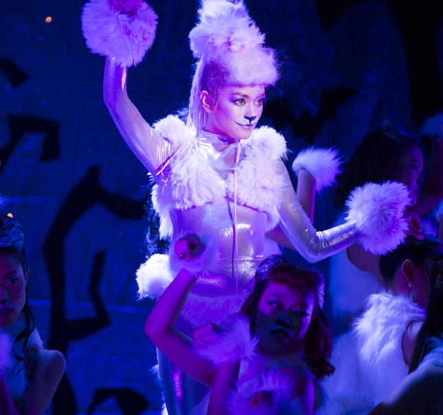 10月31日の「ROLA\'S HALLOWEEN PARTY」ではダンスパフォーマンスを披露