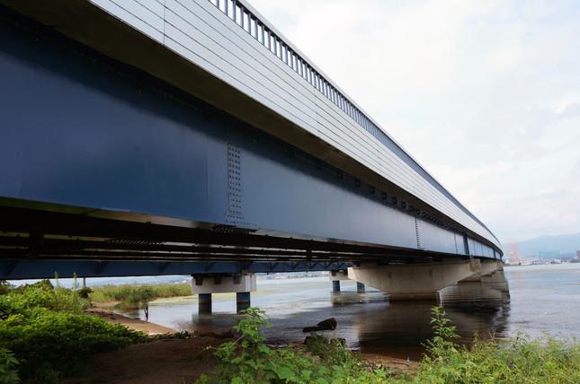 男性が飛び降りたとされる琵琶湖大橋