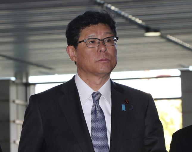 高木毅復興相は引き続き「パンツ泥棒」疑惑を否定した(写真:AP/アフロ)