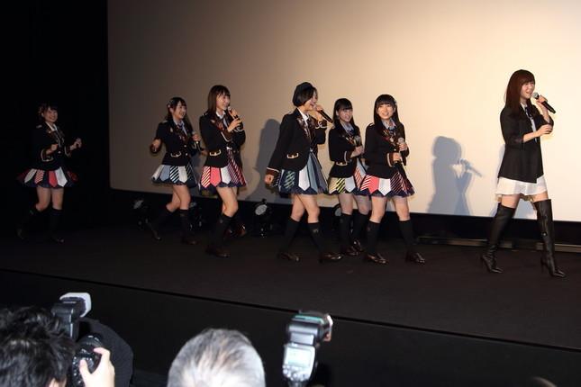 HKTメンバーが「ちょっと待ったー!」とNMBの試写会に「乱入」