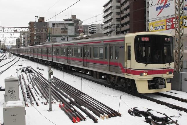 京王線は大雪で大混乱に見舞われた