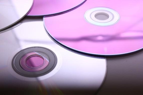 街のCDショップが消えている・・・(画像は、イメージ)