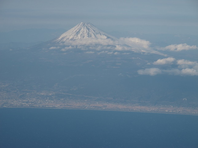 静岡市のヘリは静岡県の要請を受けて富士山で救助活動を行った