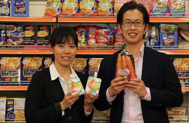 NKアグリ社長・三原洋一さん(右)と日本製粉事業開発部・紙透さち子さん
