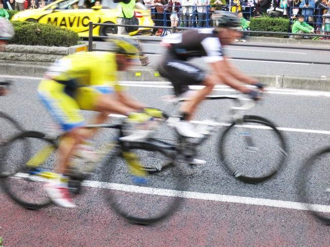 自転車レースで「隠しモーター ...