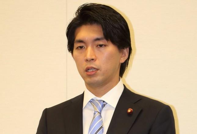 不倫問題で辞職を表明する宮崎謙介衆院議員(写真は2016年2月12日撮影)