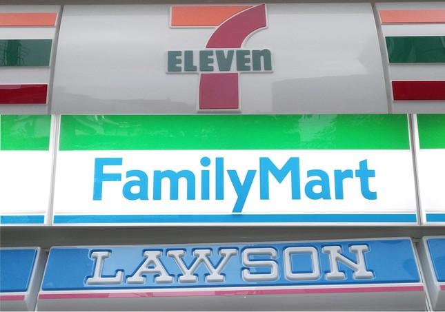 統合によりファミマは店舗数ではセブンに匹敵するが、1店当たりに日販では大差をつけられている