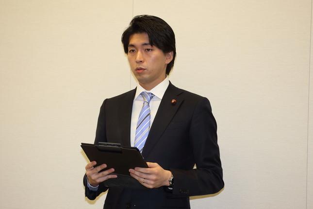 宮崎議員の「異常な自己アピール」にネットも呆れ(写真は2016年2月12日撮影)