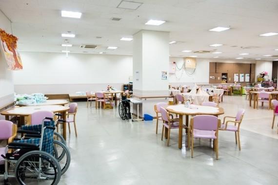 有村架純演じる「いつの恋」の主人公杉原音は介護施設「春寿の杜」で働いている(写真はイメージ)