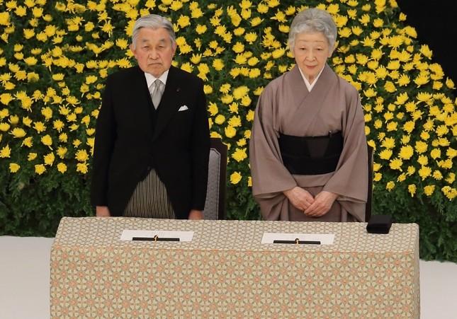 全国戦没者追悼式に出席した天皇皇后両陛下(2014年8月15日撮影)