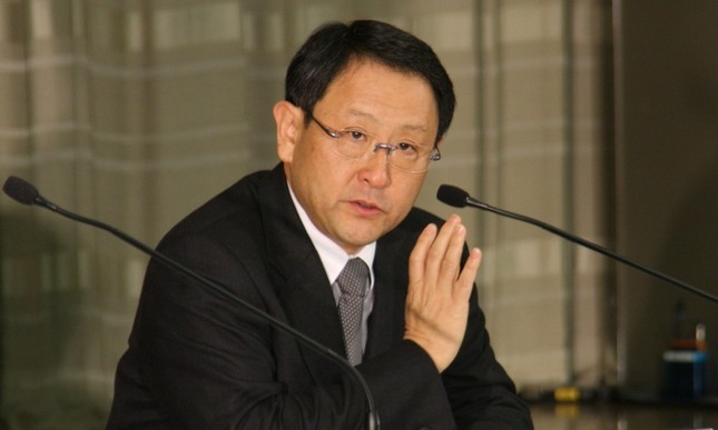 業績に下方圧力がかかるトヨタ(写真は豊田章男社長。2010年2月撮影)