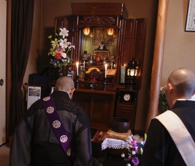 「お坊さん便」で占う伝統仏教の未来とは…(画像はイメージ)