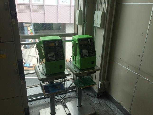 女の子は隙を見て逃げ出し、公衆電話から110番通報した(写真は東京・中野区東中野。2016年3月28日撮影)