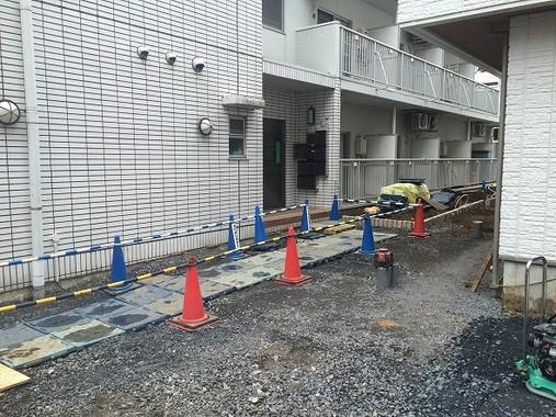 寺内容疑者が16年2月から住んでいた東中野のアパート(16年3月28日撮影)